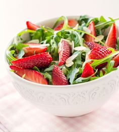 Strawberry Spinach Salad packed with antioxidants and vitamins! #ucidiabetescenter #healthy