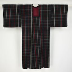 Rain coat for kimono / 細い格子が気取りない洒落感の化繊素材の雨コート   #Kimono #Japan http://global.rakuten.com/en/store/aiyama/