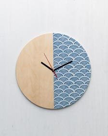 Stenciled+Wall+Clock