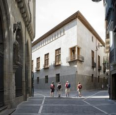 ***STRANGE BUT not cg!*** ++++++++++++++++++++++++++++++++++++++ The Condestable's House / Tabuenca & Leache, Arquitectos