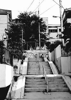 Kiyohiko-Azuma-Urban-Sketches-6.jpg (715×1000)