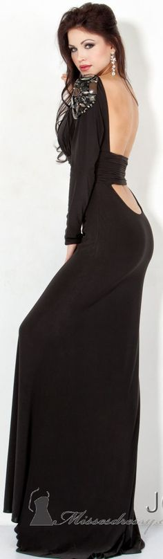 Love the sleeve but a little too low in the back  Womens fashion clothes from http://findgoodstoday.com/womensfashion