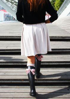 GUMMIE wellies <3 With sweet bows! OOTD www.gummiestore.com Skater Skirt, Ootd, Sweet, Skirts, Fashion, Candy, Moda, Fashion Styles, Skirt