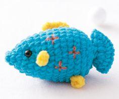 Un autre petit souvenir de vacances avec ce poisson à crocheter tout simplement.