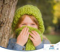 ¿Tu hijo tose y estornuda cuando lo llevas al colegio o el autobús por las mañanas? No le sobreabrigues. En lugar de ello, es más efectivo preocuparse de cubrirle bien boca y nariz con una bufanda, para que respiren un aire menos frío.