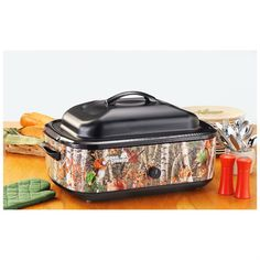 18-qt. Camo Roaster Oven. Great for serving food at a camo wedding!