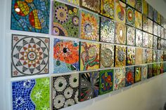 I like the idea of community art where each person does an individual project and they are displayed together as a larger work. Mosaic Wall Art, Tile Art, Mosaic Glass, Mosaic Tiles, Stained Glass, Fused Glass, Mosaic Crafts, Mosaic Projects, Collaborative Art Projects