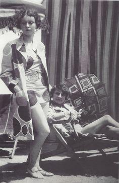 Costumes de plage par Sonia Delaunay, 1928 #fashion #1920's #vintage #fashion #Paris #vintage #lesanneesfolles