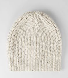 Bergner Slouch Beanie/ I want to make a beanie like this. Anyone know how or have the pattern either for loom knitting or crochet?