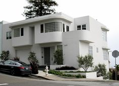 art moderne in San Francisco (built 1938)