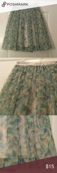 Cinderella Lauren Conrad tulle skirt, XS Beautiful pouffy skirt in vibrant green and pink abstract floral, from Lauren Conrad's Disney Cinderella collection! Excellent condition LC Lauren Conrad Skirts Midi