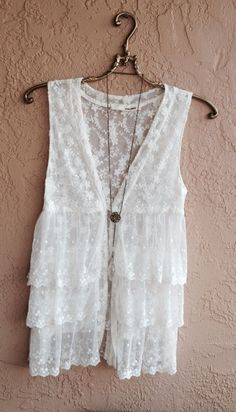 Anthropologie antique white Lace ruffle kimono vest