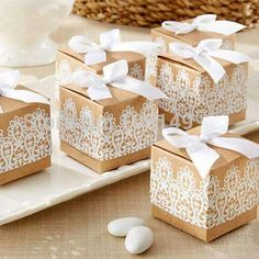 100pcs Personalised Pyramid Party Favors Boxes Tie Weddings Birthday Party Baby Shower Engagement Reception Favour Gift Boxes Goody Bags