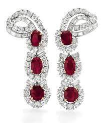 Joya de Elizabeth Taylor.   Aretes de rubíes y diamantes de Cartier. Regalo de Michael Todd en agosto de 1957.