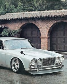Jaguar – One Stop Classic Car News & Tips Audi, Porsche, Jaguar Xjc, Bugatti, Mustang, Jaguar Daimler, Ferrari, Automobile, Bmw Classic Cars