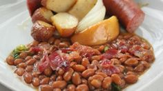Doctored Up Baked Beans. Baked Bean Recipes, Chef Recipes, Wine Recipes, Beans Recipes, Canned Baked Beans, Rachel Ray Recipes, Starchy Foods, Tasty Bites