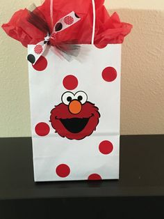 Elmo party favor bags by DivineGlitters on Etsy Diy Elmo Party, Elmo Party Favors, Unique Birthday Party Ideas, Second Birthday Ideas, Baby Girl First Birthday, Party Favor Bags, Boy Birthday Parties, Birthday Party Decorations, 2nd Birthday