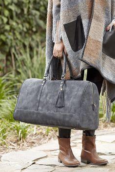 Large weekend getaway bag in washed black