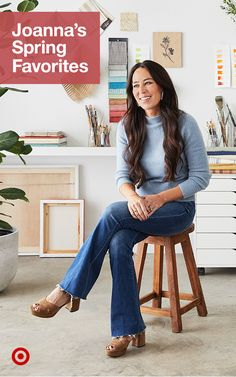 Joanna Gaines' spring favorites are here! Get inspired to give your kitchen or living room a modern farmhouse decor update. Joanna Gaines Design, Joanna Gaines Style, Chip And Joanna Gaines, Chip Gaines, Fixer Upper Joanna, Magnolia Farms, Cool Style, My Style, Home Repair