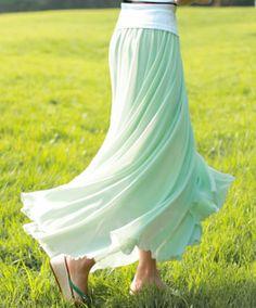 I love that skirt!!!!!!!