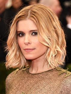 Kate Mara's Many Hair Looks - Hair Transformation: Kate Mara - StyleBistro Celebrity Short Hair, Short Wavy Hair, Celebrity Hairstyles, Cool Hairstyles, Lob Hairstyle, Curly Lob, Wavy Lob, Layered Hairstyles, Short Blonde