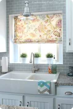 mutfak perdesi -  this site has wonderful photos of kitchen window treatments
