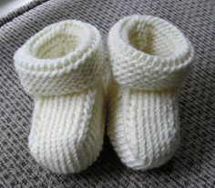 Perfect Ivory Baby Booties. Love this person's simplified version of this pattern. Here is the link to the original pattern but the blog link on the image gives the alterations to do them like this. http://www.ravelry.com/patterns/library/ruths-perfect-baby-booties
