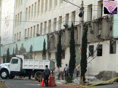 Se vino abajo parte de la marquesina de las oficinas centrales de la Procuraduría General de Justicia de la Ciudad de México, no hubo personas lesionadas por los hechos. Es un edificio de 1959, de la época de Adolfo López Mateos.
