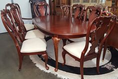 THOMASVILLE DINING TABLE WITH 8 CHAIRS