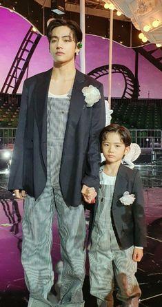 Foto Bts, Bts Photo, Bts Bangtan Boy, Bts Boys, Bts Jungkook, K Pop, V And Jin, V Model, Jung So Min