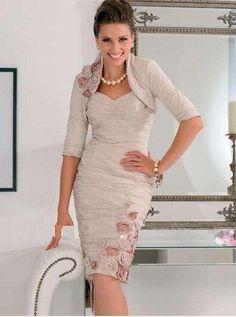 Vestido Rosas. Color: Rosa. Tallas:  2 - 4 - 6 - 8 - 10 - 12 - 14 - 16 - 18 - 20 - 22 - 24 - 26 - 28. Precio: $200.000