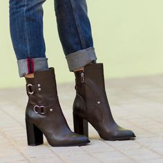 Me encantan estas botas  Tenéis todo el look completo en el blog  I love these boots. You can see the entire look on  www.withorwithoutshoes.com  #boots#ankleboots#fashionshoes#shoeaddict#shoeoftheday#newbabies#shoes#shoe#shoeporn#iloveshoes#zara#zaradaily