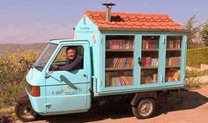 Man Builds Miniature Bookstore on Wheels to Motivate Children to Read