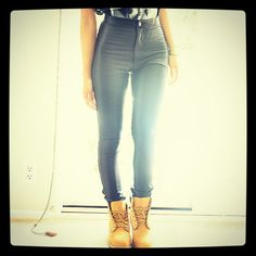 I swear I would only get leather pants/leggings if I got some timbs.