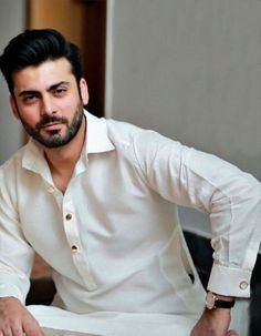 Fawad khan wearing sfkbridal's men collection at his sister's engagement ❤️ Pakistani Mens Kurta, Kurta Men, Mens Kurta Designs, Indian Men Fashion, Mens Fashion Suits, Men's Fashion, Fawad Khan Beard, Salman Khan, Man Dress Design