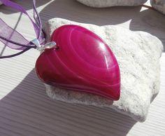 Pendentif en agate + cordon violet en organza offert : Pendentif par lapassiondisabelle