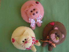 http://pripri-artmimos.blogspot.com.br/2012/11/aula-da-guirlanda-de-natal-e-bichinhos.html