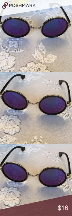 Blue Mirrored Sunglasses These are so cool and trendy! Retro round Ono sunnies with gold around lens and black frames. You will love!🎀🎀 BECCA Accessories Sunglasses