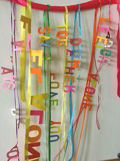 für Party/Kindergeburtstag/Silvester... Worte an Flatterbändern...