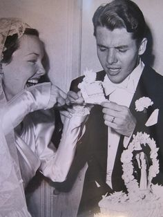 Audie with Wanda Hendrix on their wedding day