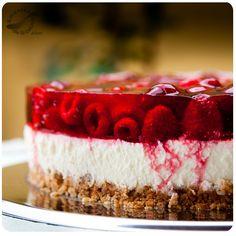 No tener horno no es una excusa para no preparar esta maravillosa torta de queso con frambuesas, mejor conocida como cheesecake de frambuesas.