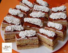 Receptek, és hasznos cikkek oldala: Mézes tiramisu szelet Tiramisu, Hungarian Recipes, Vanilla Cake, Food And Drink, Cupcakes, Sweets, Cheese, Cookies, Foods