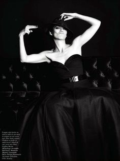 ☆ Marion Cotillard | Photography by Mario Sorrenti | For Vogue Magazine France | August 2012 ☆ #Marion_Cotillard #Mario_Sorrenti #Vogue #2012