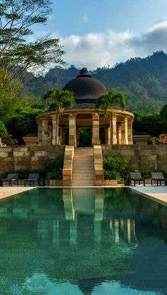 Probably one of the nicest hotels in Indonesia and the perfect setting for a James Bond Movie. The Amanjiwo Resort Yogyakarta.