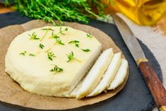 Enjoy this easy-to-make vegan and dairy-free almond cheese. It uses only five ingredients: raw almonds, lemon juice, olive oil, salt, and water. Almond Cheese Recipe, Almond Milk Cheese, Vegan Cheese Recipes, No Dairy Recipes, Almond Recipes, Cashew Cheese, Raw Recipes, Dinner Recipes, Roasted Almonds