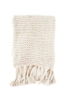 Apartminty Fresh Picks: Warm and Fuzzy   Items For Your Apartment To Keep You Warm All Winter Long   Cable Knit Throw Blanket