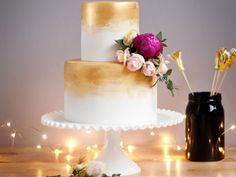 Gold Wedding Cake Pics to Go Gaga Over  | Photo by: Cake Ink | TheKnot.com