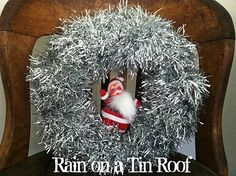 Easy DIY Christmas Tinsel Wreath {rainonatinroof.com} #DIY #Christmas #tinsel #santa #wreath