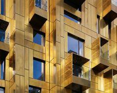 A brass facade! 10 Weymouth Street / Make Architects Facade Architecture, Amazing Architecture, Modern Buildings, Beautiful Buildings, Interior Exterior, Exterior Design, Brickwork, Cladding, Cool Designs
