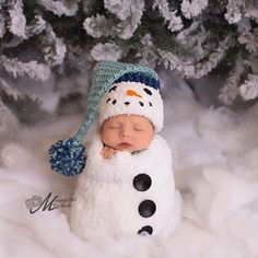 Pattern Crochet Newborn Snowman Hat Scarf and Cocoon Set ideas for baby boys newborns Pattern - Crochet Newborn Snowman Hat, Scarf, and Cocoon Set, Crochet Newborn Snowman Photo Prop, Babies First Christmas Crochet Pattern Newborn Christmas Pictures, First Christmas Photos, Christmas Photo Props, Babies First Christmas, Holiday Photos, Family Christmas, Christmas With Baby, Baby Boy Christmas Outfit, Snowman Photos